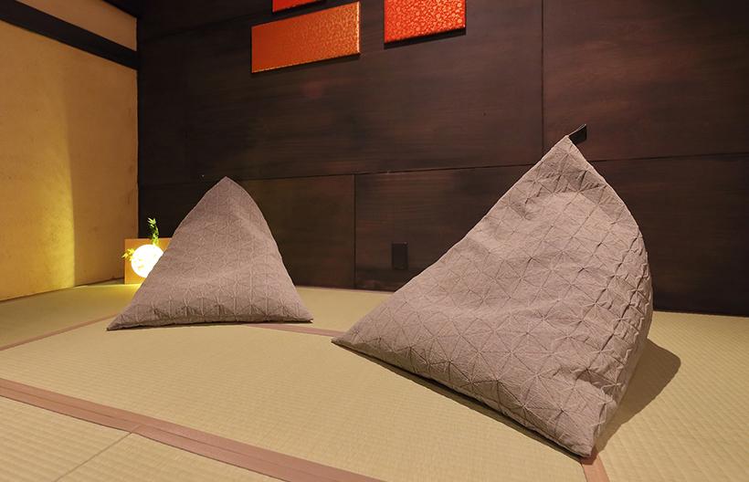 日本の座椅子ソファ「tetra」